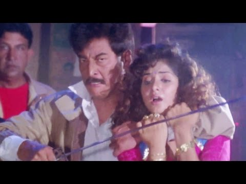 Danny Denzongpa, Sunil Shetty, Divya Bharti, Balwaan - Action Scene 21 24 video