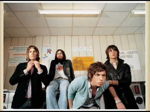 Kings of Leon- Sex is on Fire (OFFICIAL)