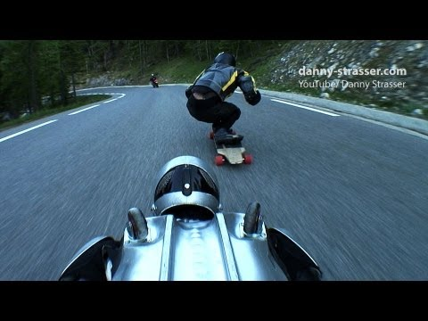 Rollerman vs Longboard - Downhill Speed Games
