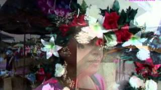 Reportaje especial   Venta de arreglos florales y  coronas    Día de los santos 2012