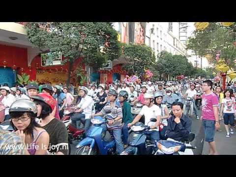 Vietnam scooters and mopeds traffic impression Saigon, HCMC, Dalat azia jhnew