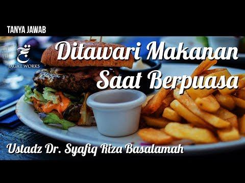 Tanya Jawab : Ditawari Makanan Saat Berpuasa - Ustadz Dr. Syafiq Riza Basalamah