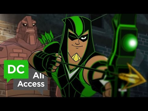 NEW Green Arrow Short + EXCLUSIVE Batman Beyond (DCAA 220)