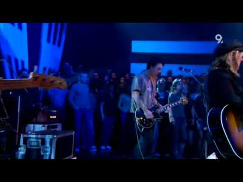 Lucinda Williams - REAL LIVE BLEEDING FINGERS AND BROKEN GUITAR STRINGS