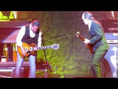 Joe Bonamassa - Further On Up The Road w/ Eddie Martinez [Arlene Schnitzer Concert Hall 2011] (HD)