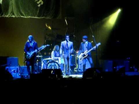 Vintage Trouble - 'Blues Hand Me Down' Live in Birmingham May 2011