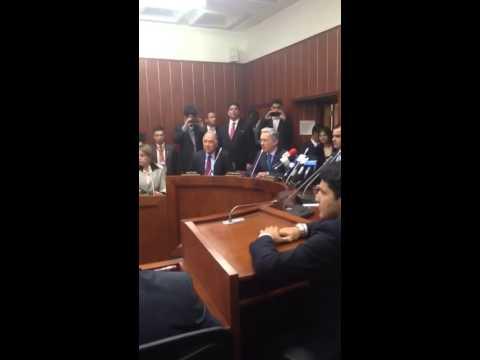 El @UCDemocratico realiza rueda de prensa liderada por @AlvaroUribeVel y @honohenriquez