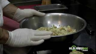 Thanksgiving Dinner - How to Make Stuffing