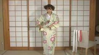 How To Dress Yukata & Kimono - Part 1