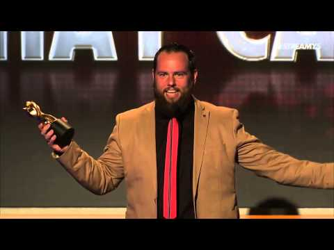 Shay Carl Honored with Entreprenuer Icon Award - Streamy Awards 2014