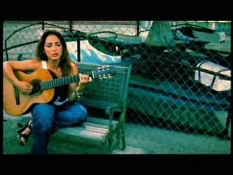 Gloria Estefan - Famous
