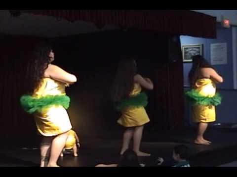 PELE,ME,& LYNN DANCIN THE E PIKO!!