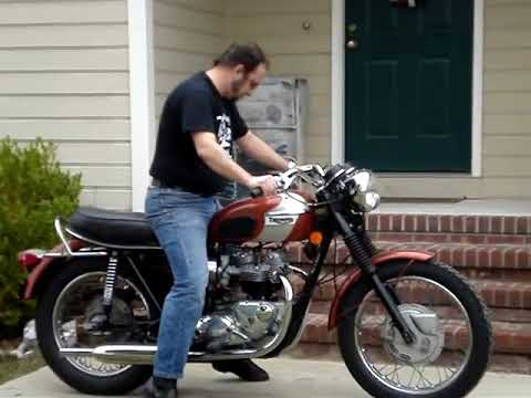 1973 Triumph Bonneville Cold Start
