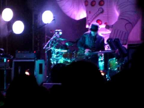 Primus - Frizzle Fry - Live @Gathering Of The Vibes 2010