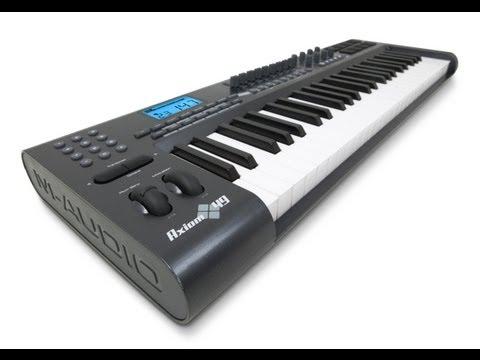 ¿Cómo conectar un piano/teclado o controlador MIDI?