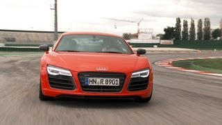 Audi R8 V10 Plus 2012 tracktest (English subtitled)