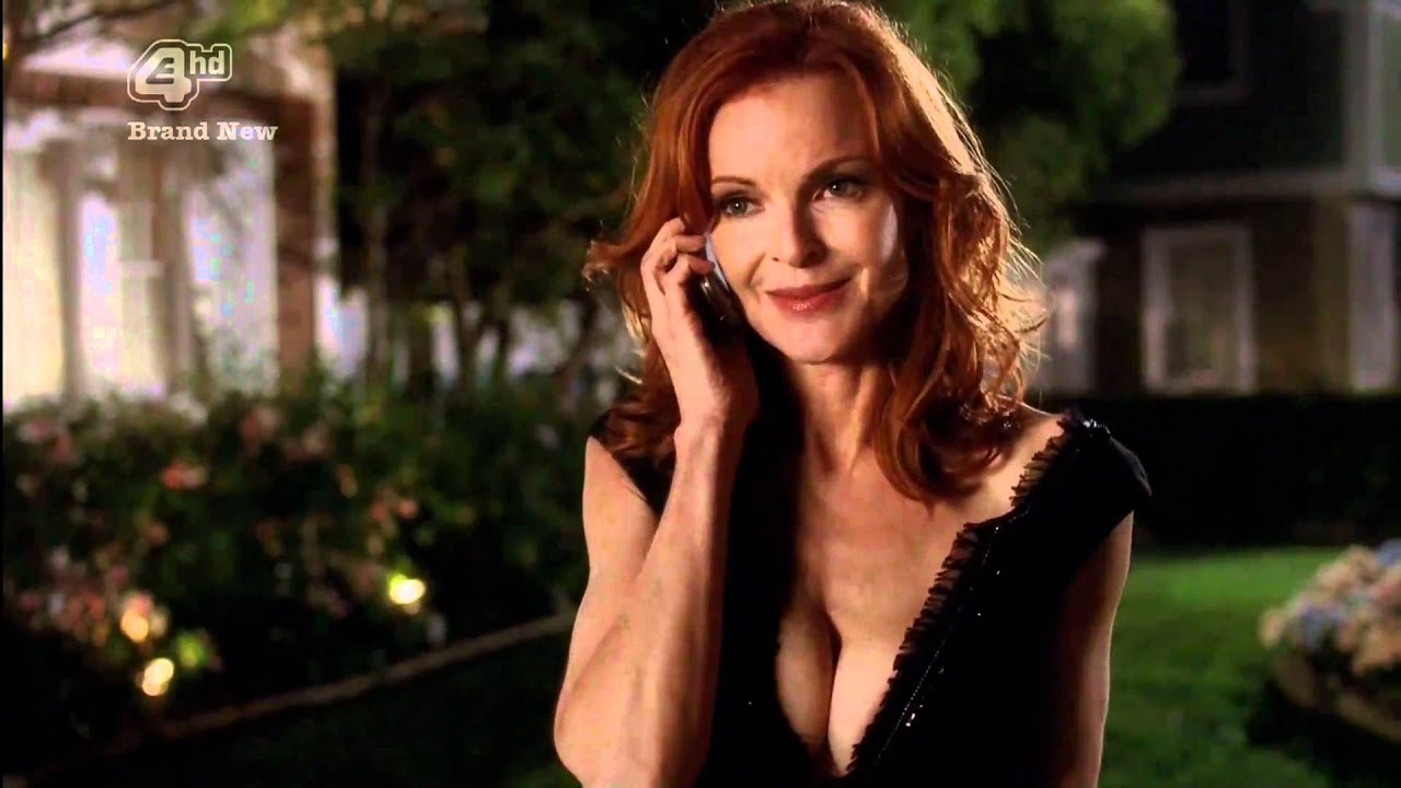 sexy marcia cross naked