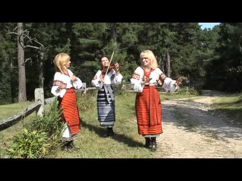 Medley of Ukrainian Folk Songs by Family Trio Небозір (Heavenstar)
