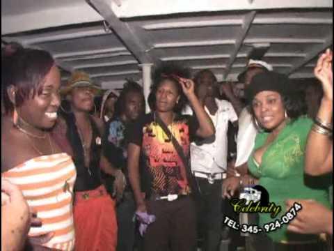 Cayman Dancers Doing It Big For Gary Chucks Boat Ride !!...