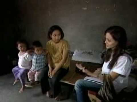 Angelina Jolie to adopt Vietnam child