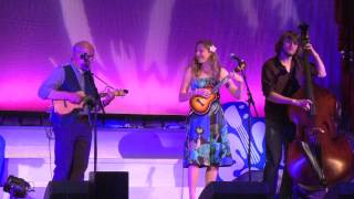 "Sarah Maisel & Ken Middleton play ""The Way You Look Tonight"""