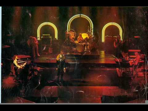 Kansas - Live - 1975 - It Takes A Woman's Love (To Make A Man)