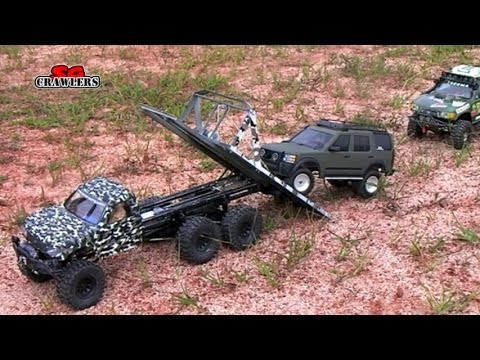 Custom built 6x6 SCX10 Honcho recovery flatbed tow truck hauling Land Rover Discovery 3 demo