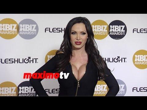 Nikki Benz | 2015 Xbiz Awards | Arrivals | Maximotv Broll video