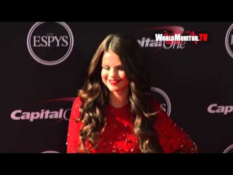 Selena Gomez Sizzling Hot ESPY Awards 2013 Redcarpet Arrivals thumbnail