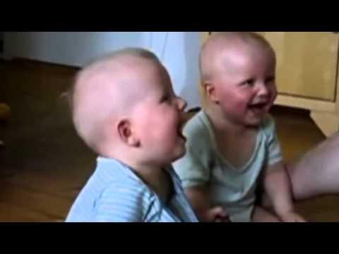 Uşaq gülüşü
