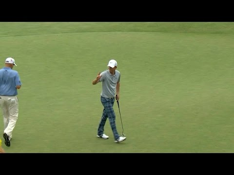 Russell Henley drains a 30-foot putt for birdie at Deutsche Bank