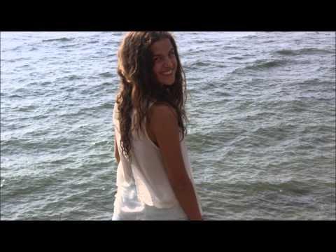 Corre! Cover Sofia Cabrales Samper