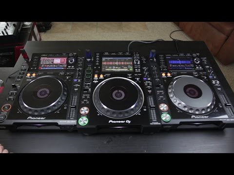 CDJ2000NXS2 Unboxing & First Look