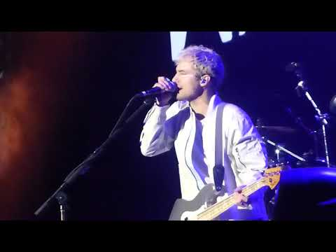 One Foot- Walk the Moon (Forum 12-10-17)