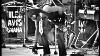 Miles Davis - For Dave & Calypso Frelimo (Paris 1973-11-15)
