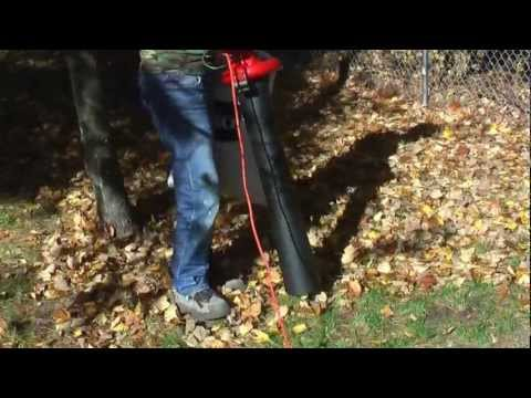 Toro 51609 Ultra Electric Blower / Vacuum with Metal Impeller - Vacuum and Mulching Demonstration