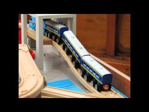 Thomas & Friends - Gordon and the Snobby Coaches on the Wooden Railway