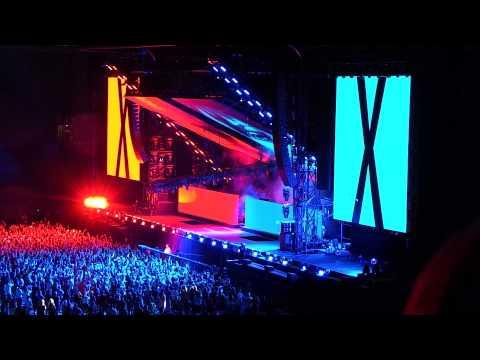 Eminem & Rihanna The Monster Tour, Rose Bowl 8/8/14 Intro