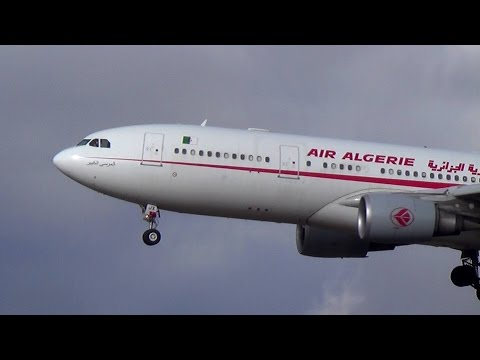 Air Algérie A330 landing and take-off in Paris Orly