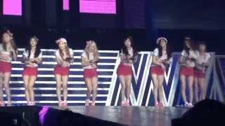 Love & Girls _Girls' Generation (Girls & Peace World Tour in Seoul DVD)