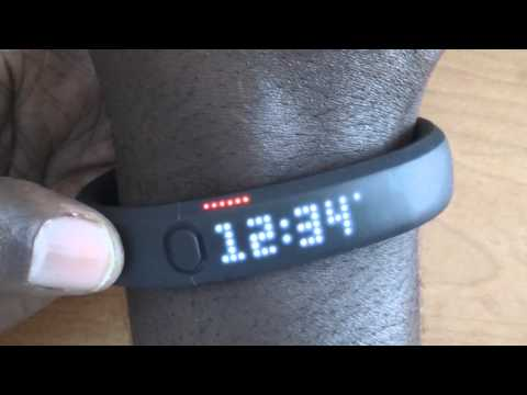 Nike Fuel Band vs Nike Sports Band Review