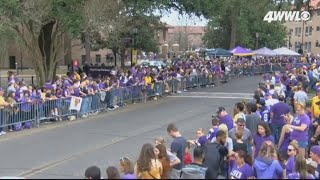 LSU parades through campus after Tigers beat Clemson