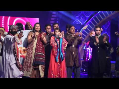 Shazia Khushk sings Ho Jamalo with Saira Peter Chief Judge (...