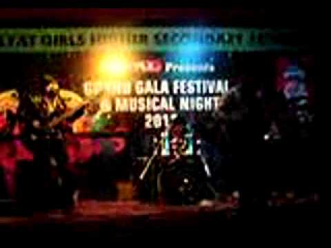 FAMAJ BAND live awain awain lut gaya at Hayat Girls College...