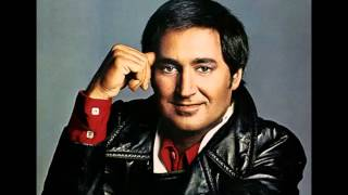 Watch Neil Sedaka Steppin Out video