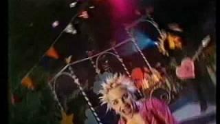 Watch Lucilectric Liebe Macht Dumm video