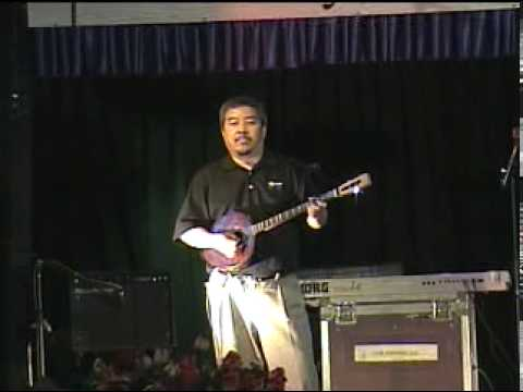 Hmong Violin & Guitar played by Chong Moua Thao at the Fresno Hmong New Year 2010