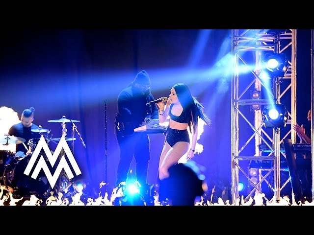 Jessie J | 'Bang Bang / Burnin Up' ft. Kid Ink live at MOBO Awards | 2014