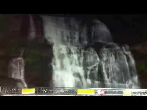 Courtallam Falls (Tamil: குற்றாலம்)