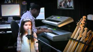 "Sophia Grace sings ""Moment 4 Life"" by Nicki Minaj 